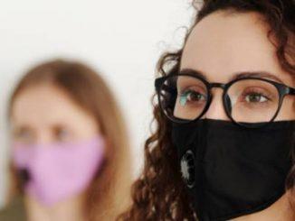 Geen beslagen bril meer met mondkapje